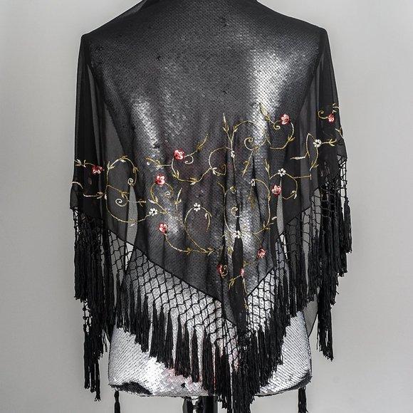 NWOT Tristan Embroidered fringe shawl